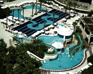 Limak Atlantis Hotel 300x237 Limak, otelcilikte spor turizmi ile fark yaratıyor